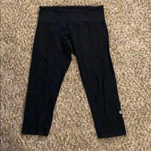 Reversible Black LULULEMON Capri Yoga Leggings 8